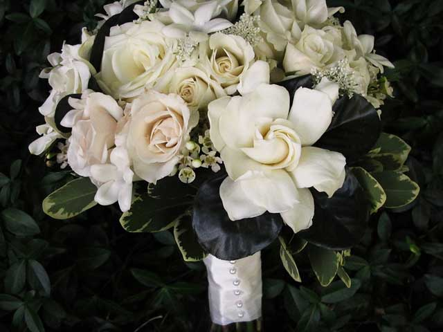 Wedding Flowers by Trillium\'s Courtyard Florist | Buffalo NY Wedding ...